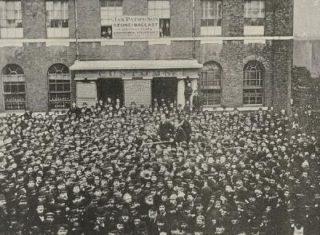 Crowd of striking dockworkers
